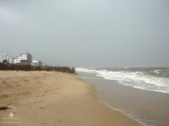 Sturmflut am Duhner Strand - das sonst so friedliche Seebad ist kaum wiederzuerkennen.