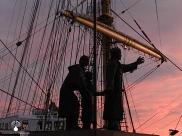 Auswandererdenkmal an der Seebäderkaje
