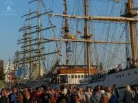 2015-08-12_Sail_Bremerhaven_Neuer_Hafen_Menschenmassen