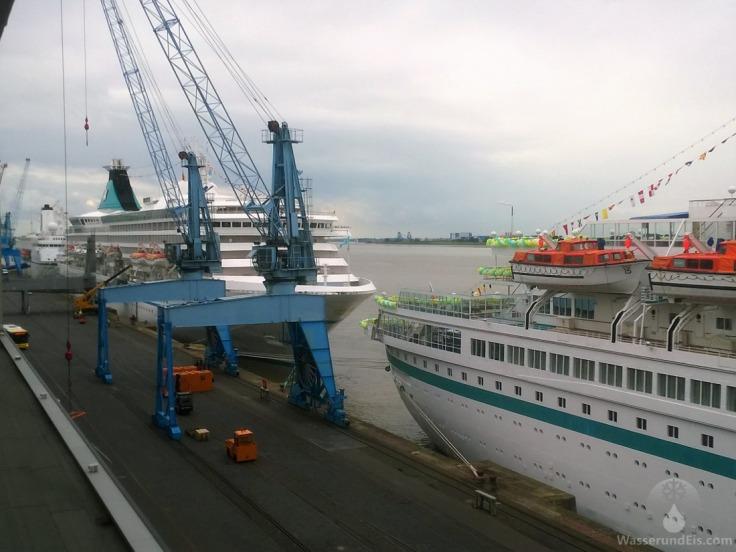 Phoenix Reisen Kreuzfahrtschiffe Bremerhaven