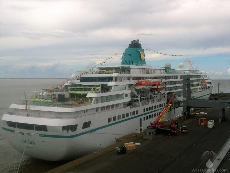 Traumschiff Bremerhaven Kreuzfahrtschiff