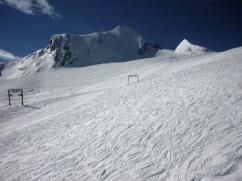 Schmiedinger Lift und Gletscherseeabfahrt liegen also einzige Anlagen am Gletscher etwas abseits vom Trubel.