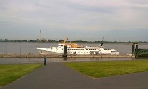 Die Fair Lady am Anleger in Bremerhaven. Fähre von Bremerhaven nach Helgoland.
