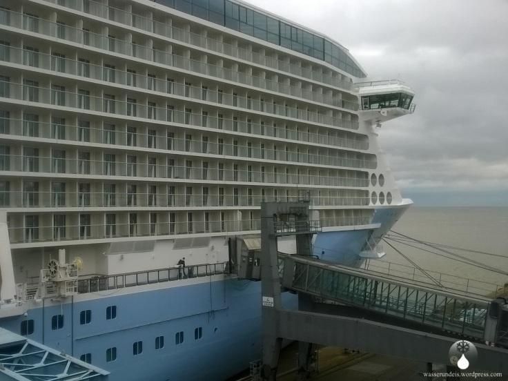 Ovation of the Seas Bremerhaven Kreuzfahrtschiff