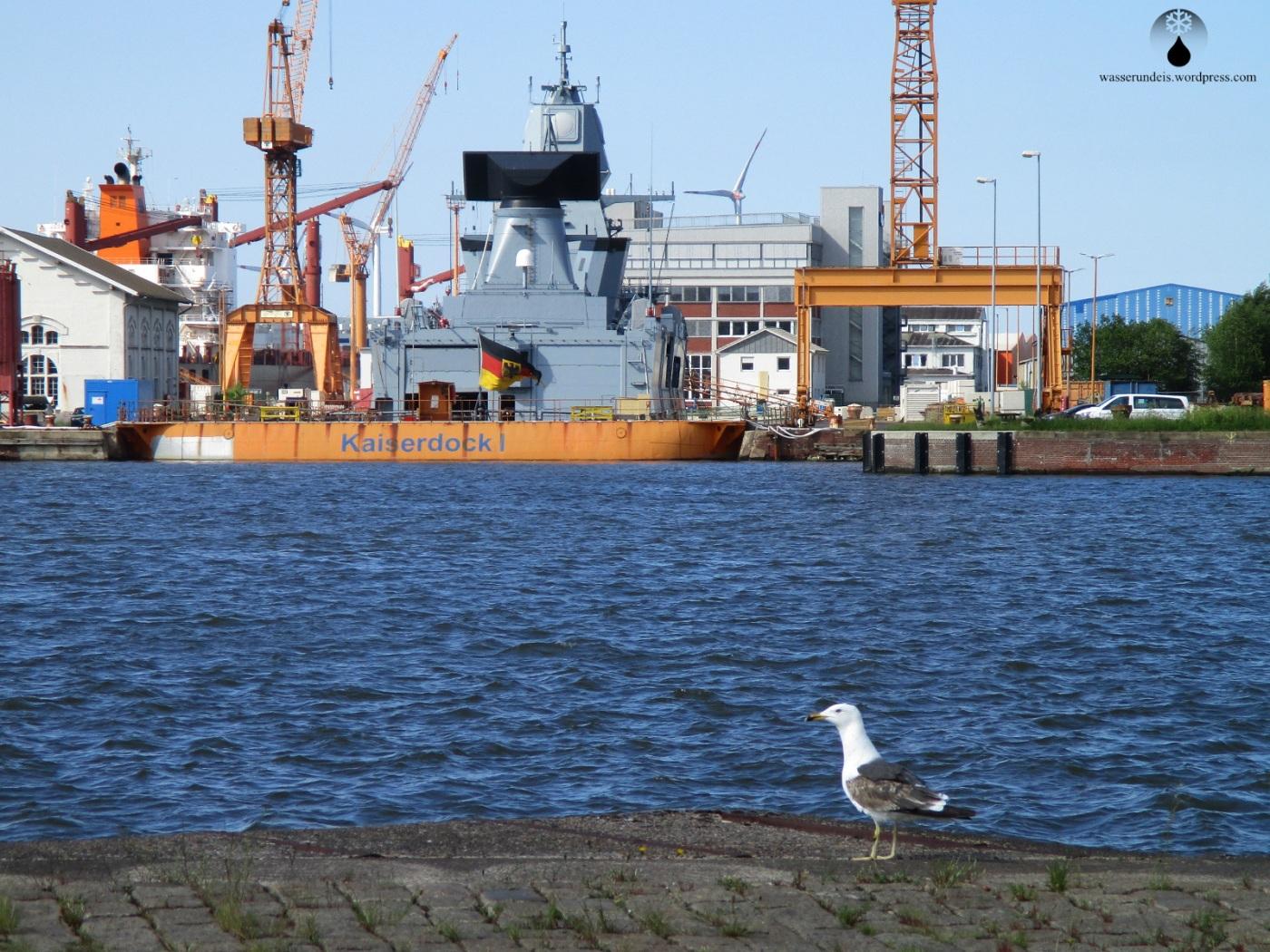 Fregatte Sachsen im Dock.
