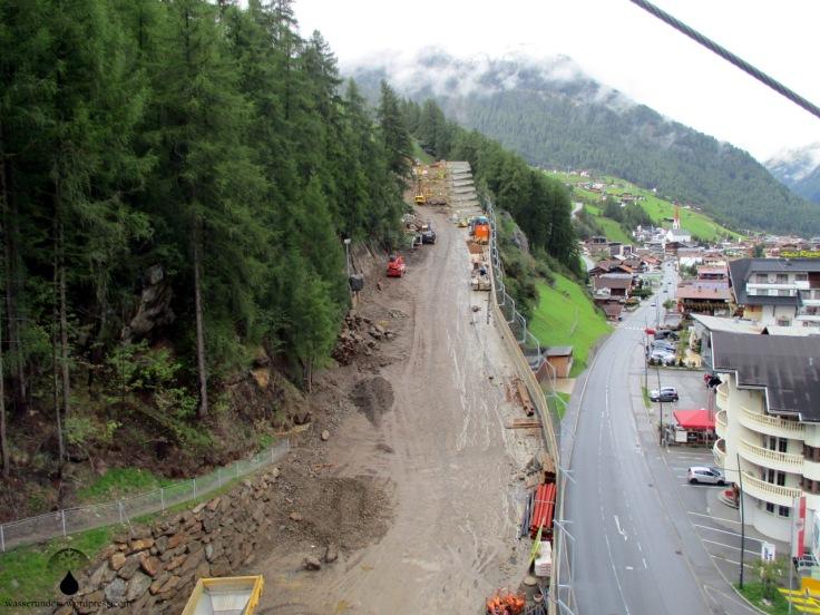 Baustelle auf der Talabfahrt nach Sölden