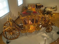 Goldener Wagen der bei Kaiserkrönungen zum Einsatz kam.