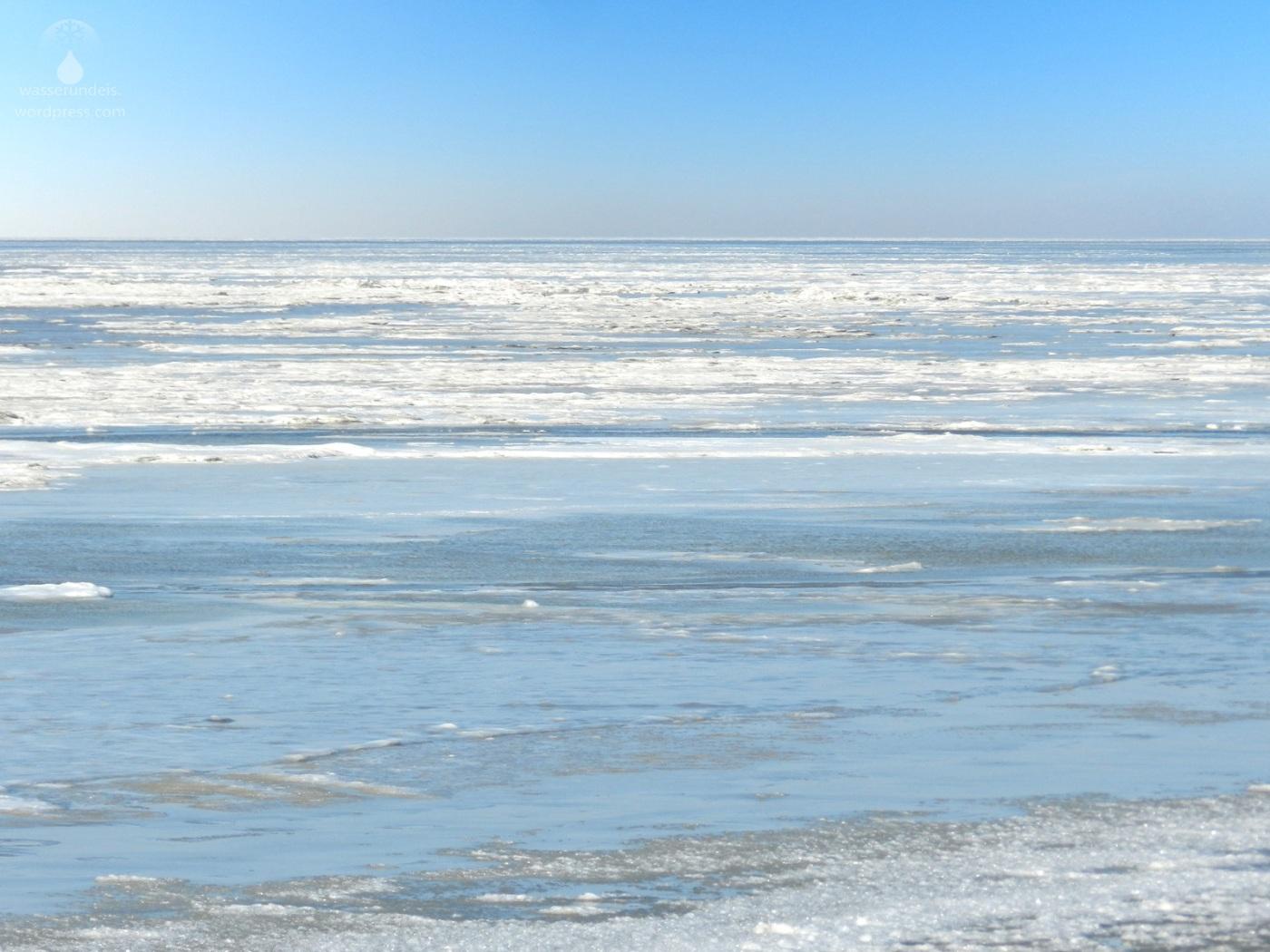 Packeis auf dem Wattenmeer der Norsee bei Wremen.