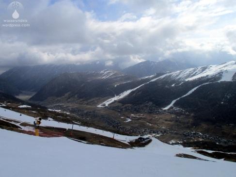 Blick von der Carosello 3000 Seite auf das Tal von Livigno.