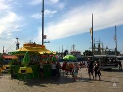 Fressmeile am Neuen Hafen.