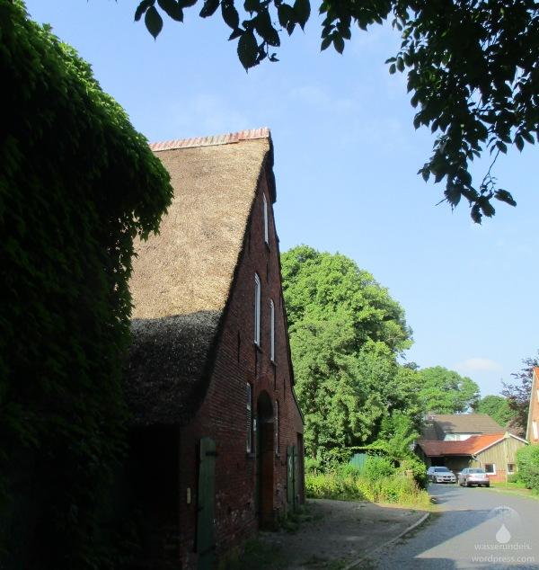 Reegedeckter Bauernhof in Weddewarden.
