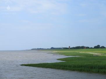 Die Wurster Nordseeküste, hinten links Wremen, vorne rechts der Imsumer Ochsenturm.