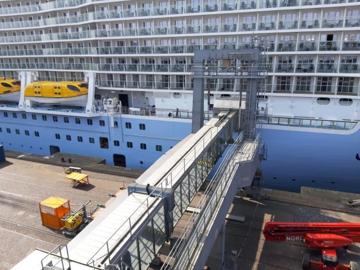 Kreuzfahrtschiff Kreuzfahrtterminal Bremerhaven