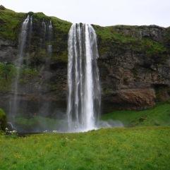 Der Wasserfall Seljalandsfoss.
