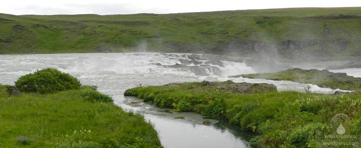 Blick auf den Wasserfall Urridafoss.