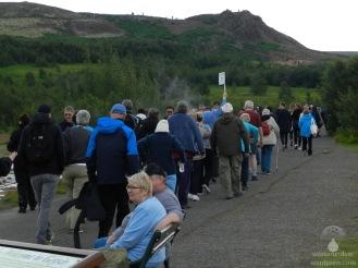 Touristenströme im Haukaladur, auf dem weg zu den Geysiren.