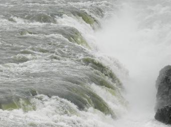 Wassermassen am Urridafoss.