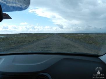 Straße zum Svínafellsjökull - eine nummer zu hart für unseren Kleinwagen.
