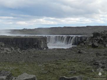 Der Wasserfall Selfoss, etwa einen Kilomter oberhalb des Dettifoss.