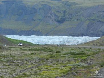 Zum greifen nah und doch unerreichbar - die Zunge des Svínafellsjökull.