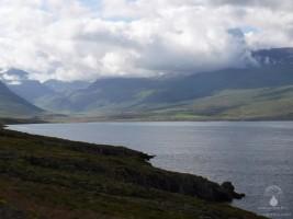 Das Ende des Faskrudsfjord in Islands Ostfjorden.