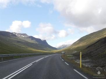 Fahrt durch das Ostisländische Gebirge.