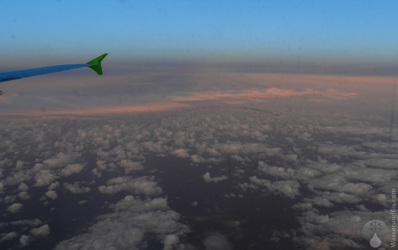 Flug vom Flughafen Bremen nach Reykjavik Keflavik Island.
