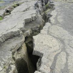 Ein Bild, zwei Kontinente. Rechts die Eurasische Kontinentalplatte, links die Nordamerikanische. Beide Platten driften jedes Jahr 2cm auseinander.