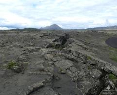 Die Gegend östlich des Mývatn liegt genau auf der Plattengrenze zwischen Europa und Amerika, die hier auf spektakuläre Weise sichtbar ist.
