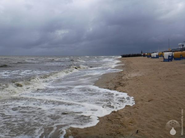 Döse Cuxhaven Strand Sturmflut.