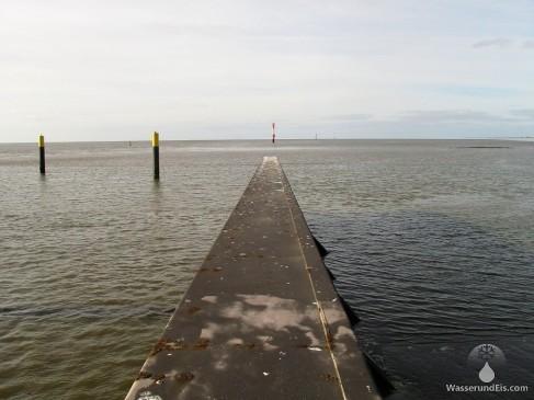 Stromkaje Nordende Bremerhaven