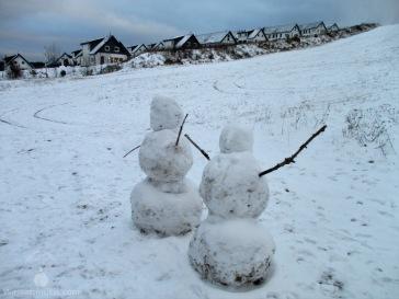 Schneemänner am Landalpark.