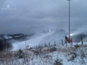Schneekanonen am Sürenberg.