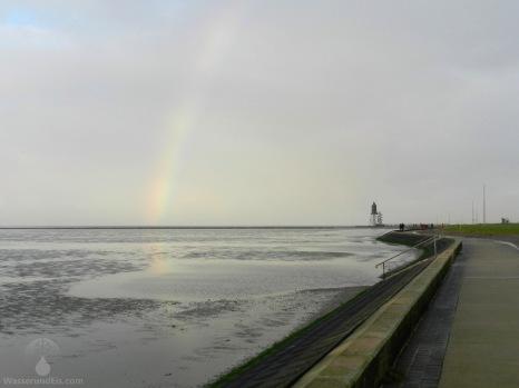 Regenbogen über dem Strand von Dorum-Neufeld.