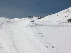 2009-04-25-00-Zugspitze-Snowfarming-Gletschersee