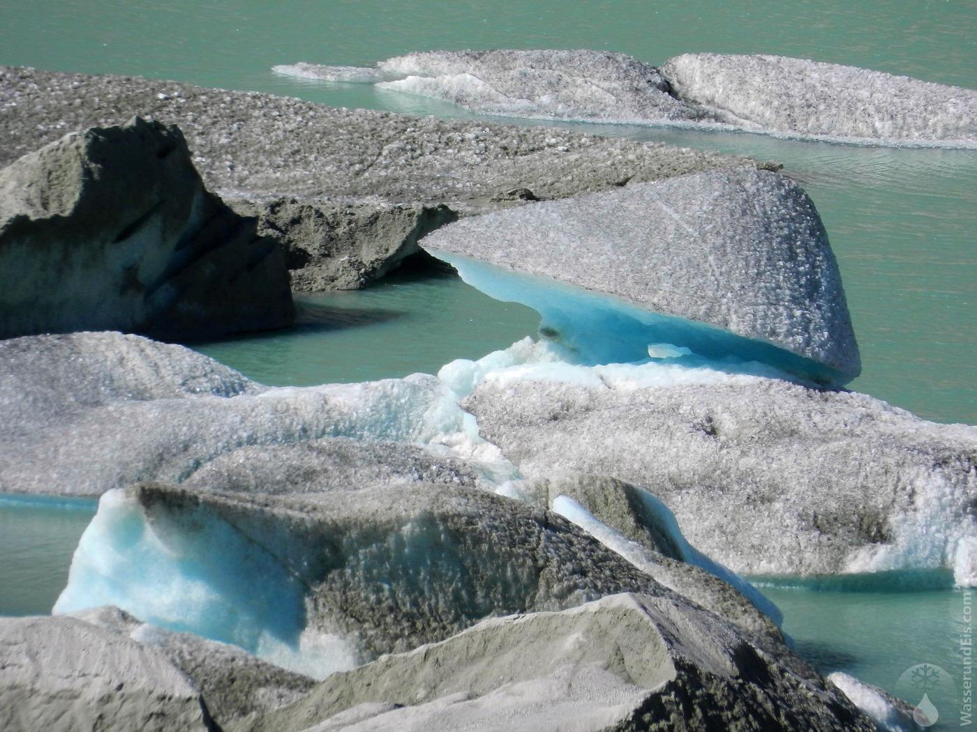 Eisberger Gletschersee Rhonegletscher Furkapass