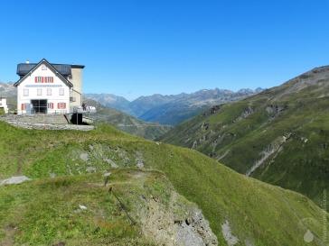 Kleines Hotel auf der Furkapasshöhe.