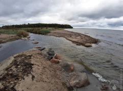 Mündung der Lippingau in die Flensburger Förde, unverbaut - an der Nordsee undenkbar.