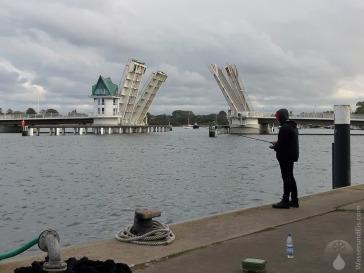 Die Kappelner Klappbrücke über die Schlei. Eine von drei festen Querungen über den 42km langen Meeresarm.