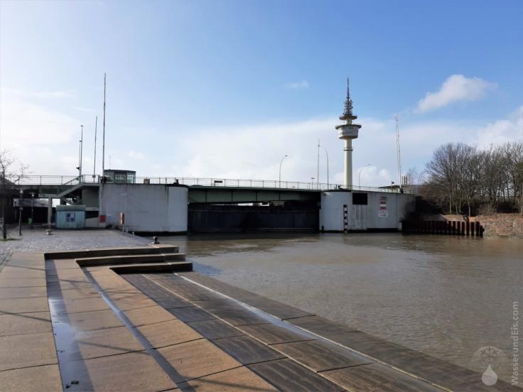 #Sturmflutsperrwerk Geeste Kenneybrücke Bremerhaven