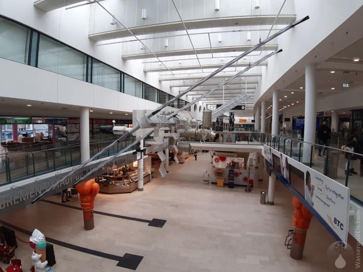 Modell der Raumstation ISS im Flughafen Bremen.
