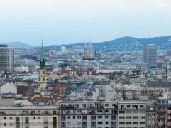 Inzwischen sind viele Gebäude höher als das Riesenrad, nichta ebr der Stefansdom.