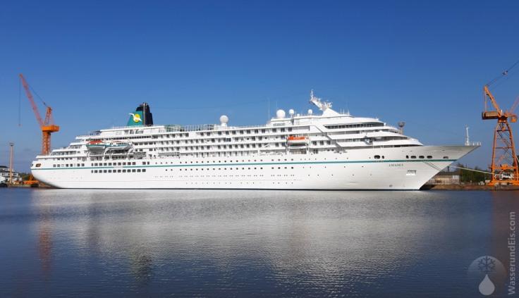 2020-05-06-Bremerhaven-Hafen-Traumschiff-01
