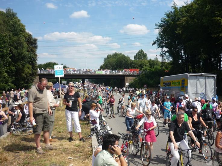 #Volksfest A40 Stillleben Bochum 2010