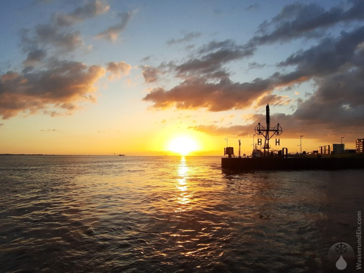 #Sonnenuntergang Bremerhaven Semaphor 2020