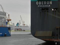 Die Hamburg ist dagegen ein winzling, ein eher kleines Kreuzfahrtschiff.