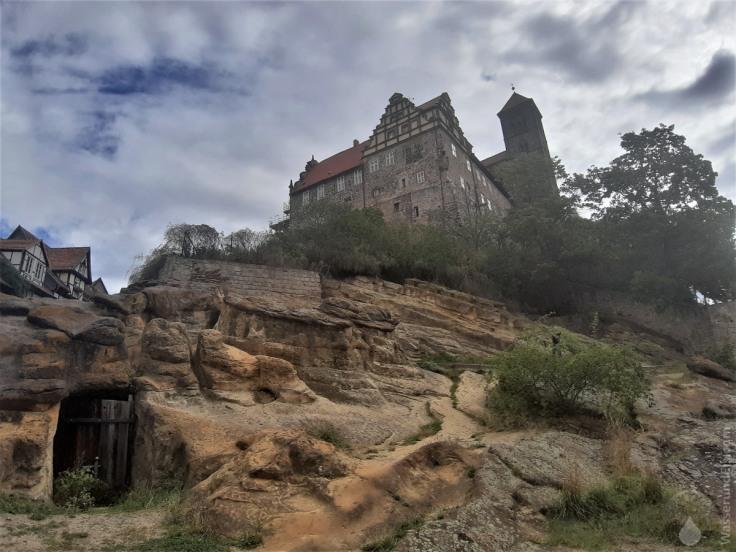 Der Quedlingburger Schlossberg mit der Stiftskirche St.Servati ist auf Fels gebaut.